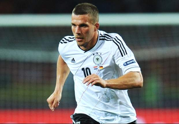 Podolski hopeful Van Persie will stay at Arsenal