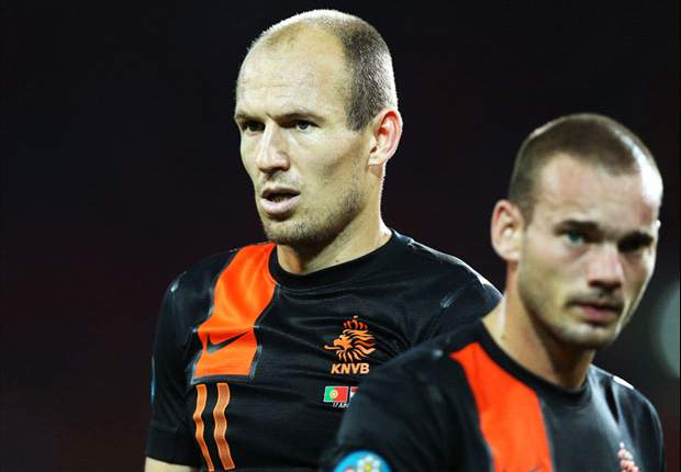 Hasselbaink: Van Bommel and Sneijder have been over protected for Netherlands