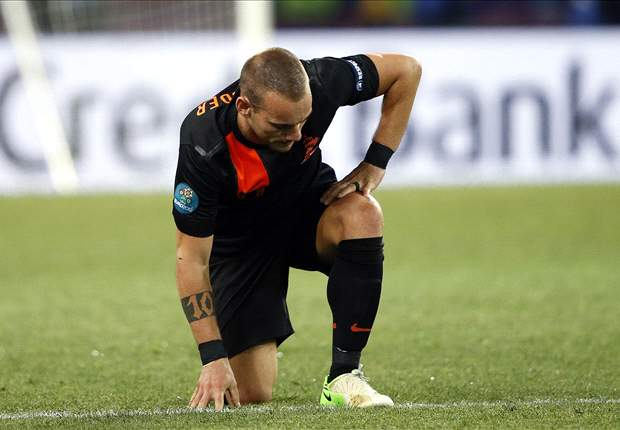 Sneijder demands changes after Netherlands' exit from Euro 2012