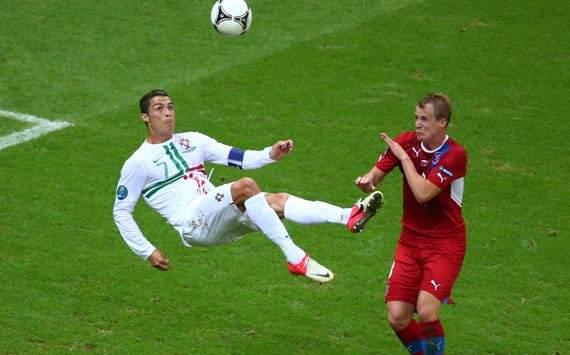 UEFA EURO 2012, Czech Republic v Portugal,Cristiano Ronaldo