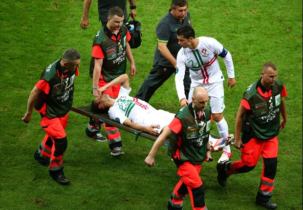 Report: Helder Postiga ruled out of remainder of Euro 2012