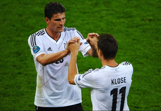 TEAM NEWS: Klose starts ahead of Gomez for Germany in Greece clash