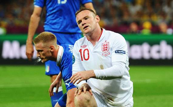 Gerrard: Rooney struggled to deal with pressure at Euro 2012