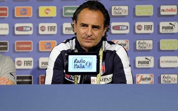 الاتحاد الإيطالي: برانديلي سيستمر حتى مونديال2014