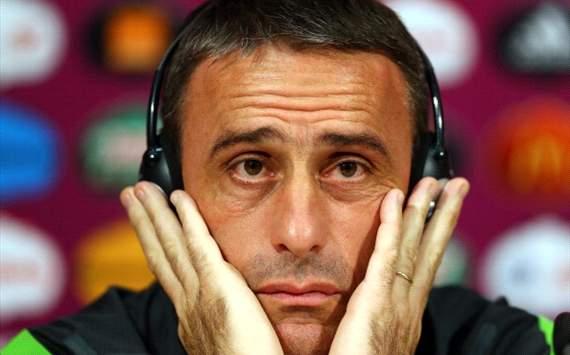 Coach Paulo Bento of Portugal