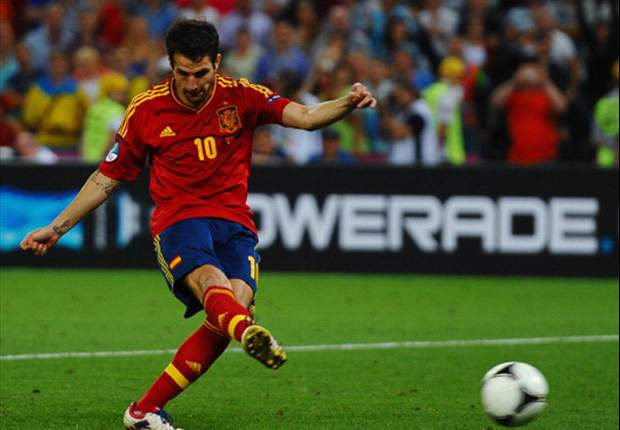 TEAM NEWS: Fabregas starts in false nine role for Spain in Euro final
