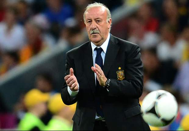 Del Bosque: I can't choose between Messi and Ronaldo