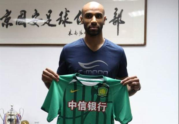 Kanoute leaves Sevilla for Beijing Guoan