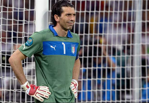 Buffon denies rift in Italy camp and gives backing to Cesare Prandelli