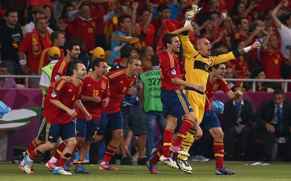 Pepe Reina, Cesc Fábregas, Álvaro Negredo, Andrés Iniesta - Spain