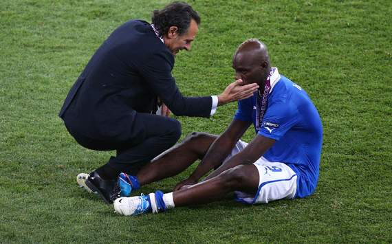 Balotelli won't end up like Adriano, says Prandelli