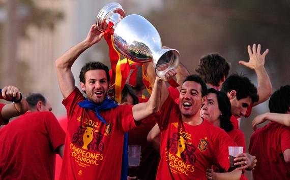 Juan Mata, Santi Cazorla - Spain