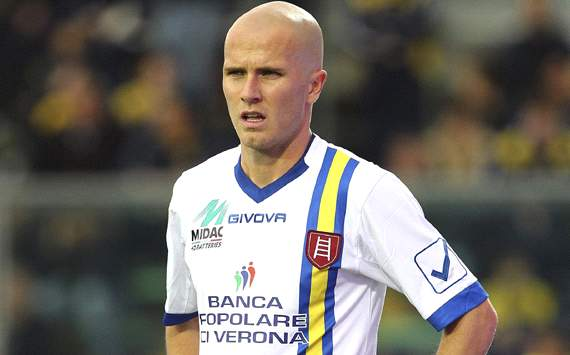 Official: Michael Bradley signs for Roma