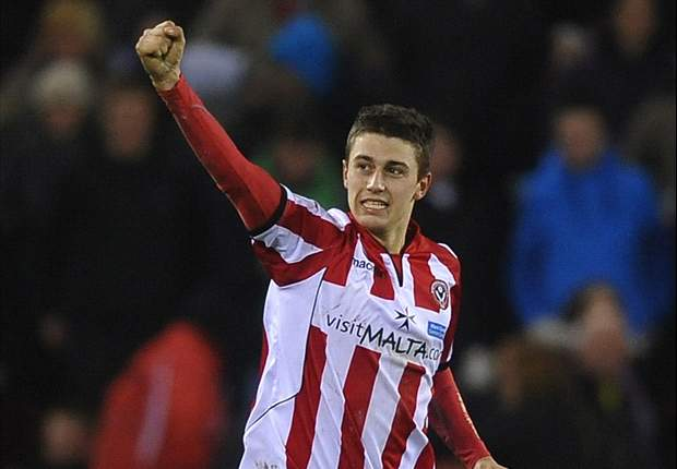 Aston Villa sign Lowton in 'dream' move from Sheffield United