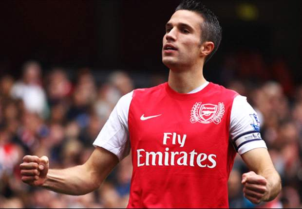 Van Persie joins Arsenal on pre-season training camp