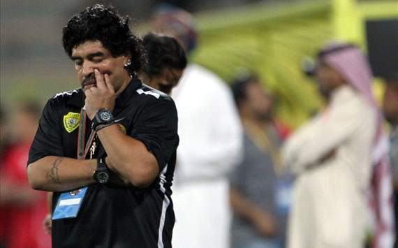 Maradona in fake signature row