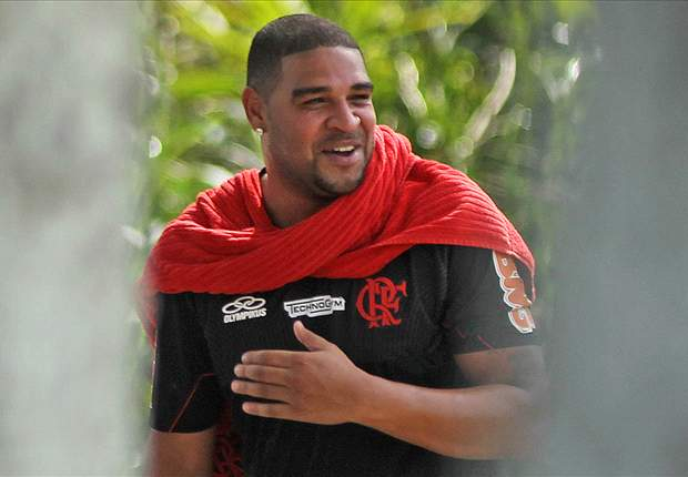 Official: Flamengo sign Adriano on a free transfer