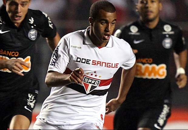 Sao Paulo ready to offer Manchester United target Lucas Moura new contract