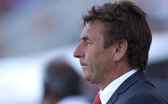 John Kosmina quits as coach of Adelaide United