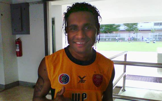 Titus Bonai - Indonesia (GOAL.com/Thana Wongmanee)