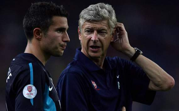 Flamini: Arsenal's Van Persie has to make 'a very important decision'