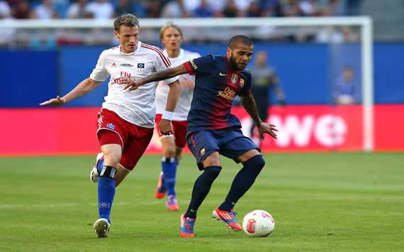 Marecell Jansen; Daniel Alves - Hamburguer SV v FC Barcelona