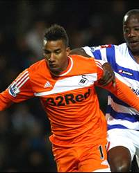 Queens Park Rangers v Swansea City - Premier League - Scott Sinclair, Samba Diakite,
