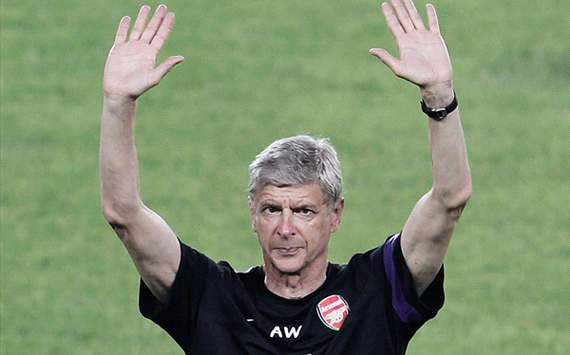 Arsenal boss Wenger plays down Sahin rumours