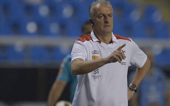 Dorival no v presso diante do Vasco