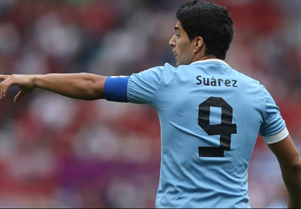 Suarez: Uruguay must exploit Argentina's defensive weaknesses