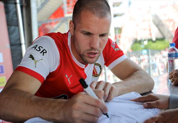 Vlaar out to impress Aston Villa fans