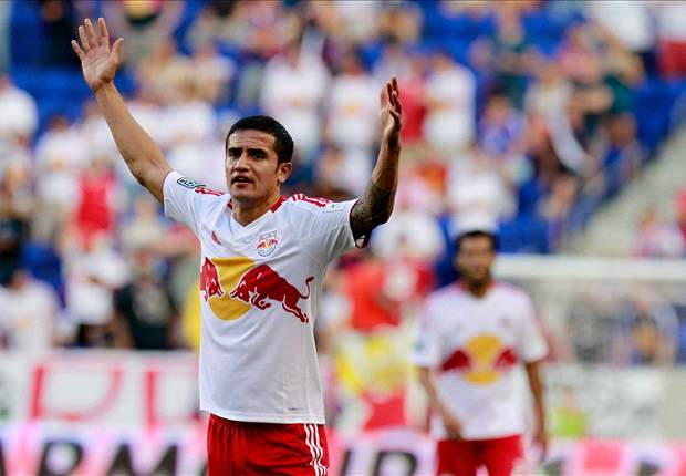 Tim Cahill makes Red Bulls debut against Tottenham