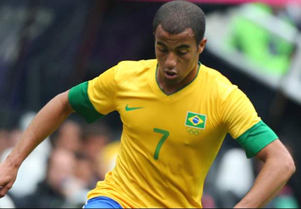 Sao Paulo confirm Paris Saint-Germain talks over Lucas Moura