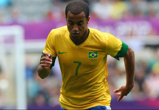 Brazil dismiss reports that Lucas Moura is having Manchester United medical