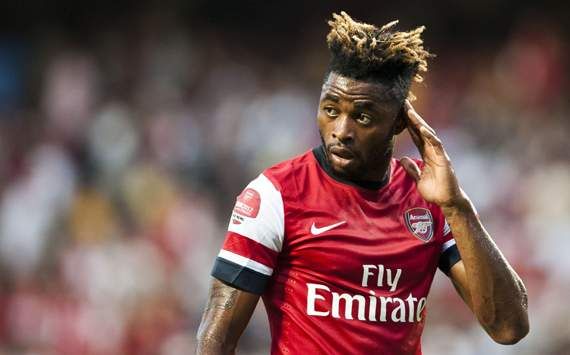 Arsenal Bakal Lepas Alex Song Ke Barcelona, Asal..