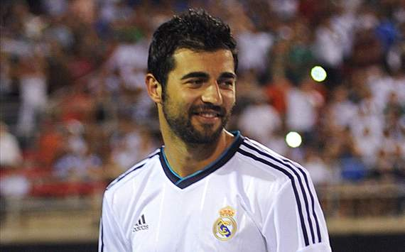 Manchester United &amp; Arsenal Berburu Raul Albiol