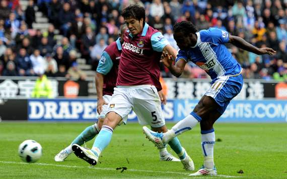 Victor Moses,James Tomkins