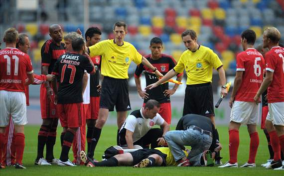Referee Fischer surprised by Luisao incident