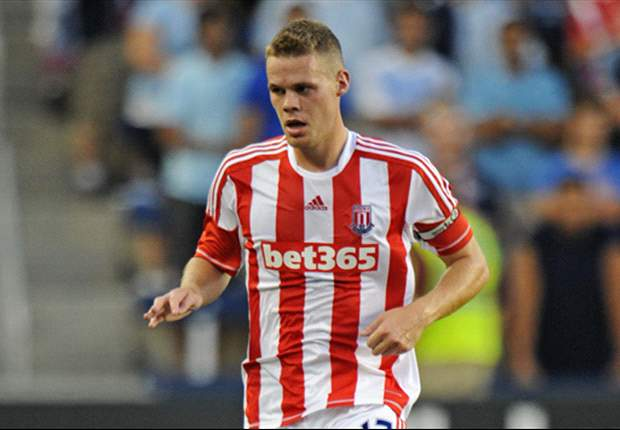 Pulis 'hoping and praying' to keep Shawcross at Stoke for life