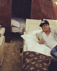 Neymar in a Private Jet to Brazil