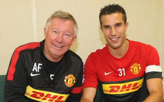 van persie move completed official
