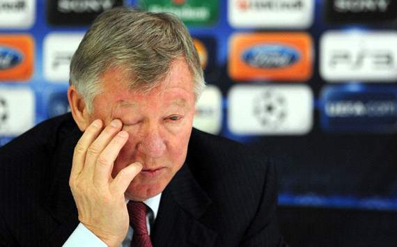 Stubborn Sir Alex is putting Manchester United's hopes of silverware at risk