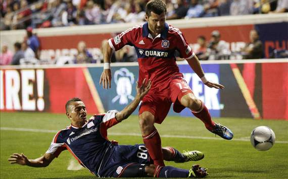 Fernando Cardenas, Gonzalo Segares; New England Revolution - Chicago Fire