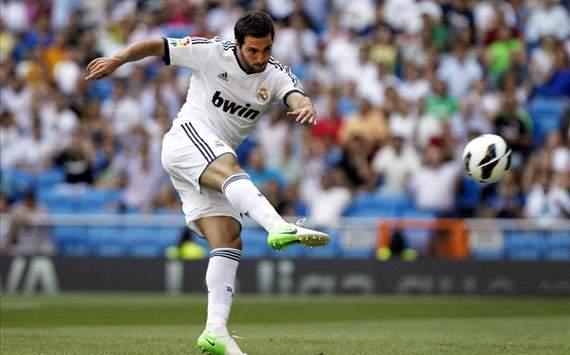 Gonzalo Higuain - Real Madrid, Valencia CF