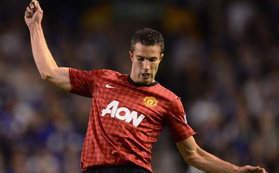 Giggs: Van Persie signing sends out big message to Manchester United's rivals
