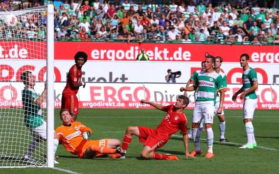Germany: Greuther Furth - Bayern Munich, Thomas Muller scores