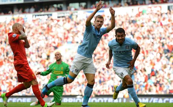 EPL: Carlos Tevez - Martin Skrtel Liverpool v Manchester City