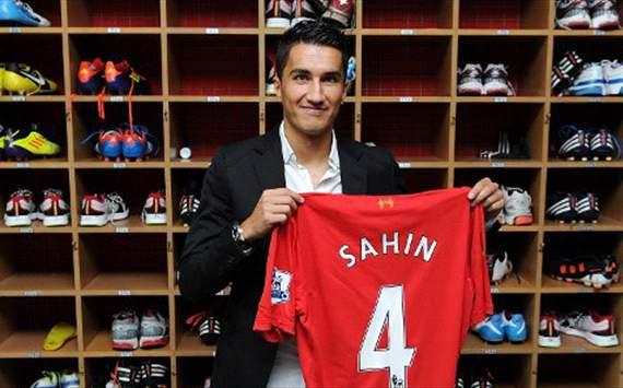 sahin photo and liverpook shirt