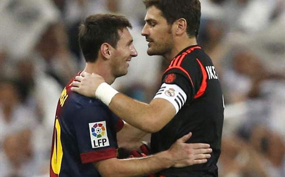 Messi congratulating Iker Casillas in spanish supercup