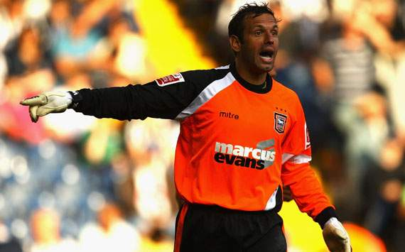 Manchester City sign keeper Richard Wright on a free transfer